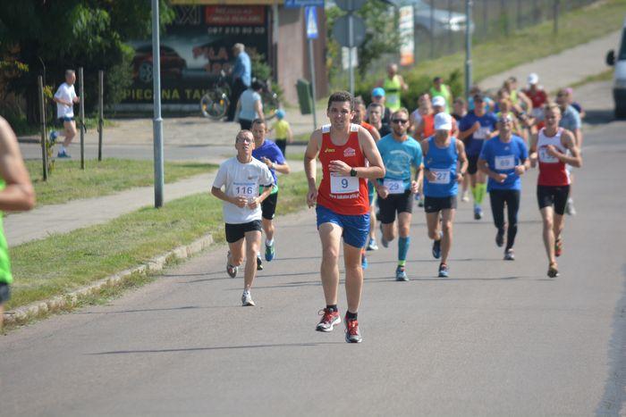 biegali_i_maszerowali16