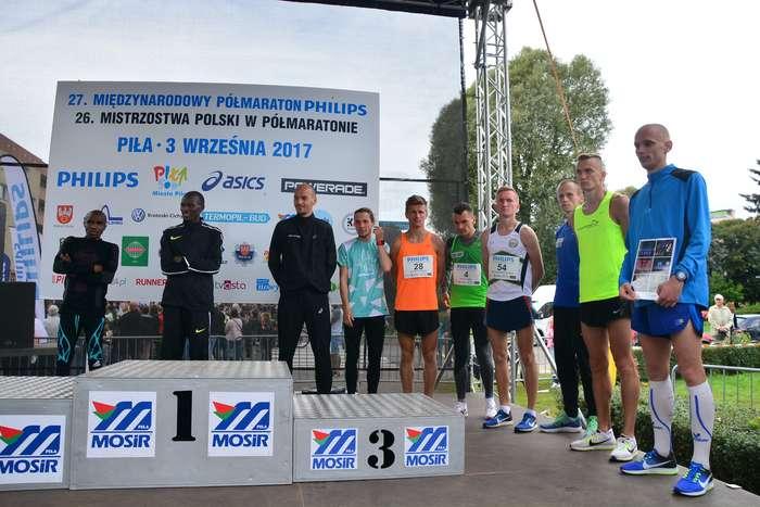 kenijczyk_wygrywa_polmaraton100