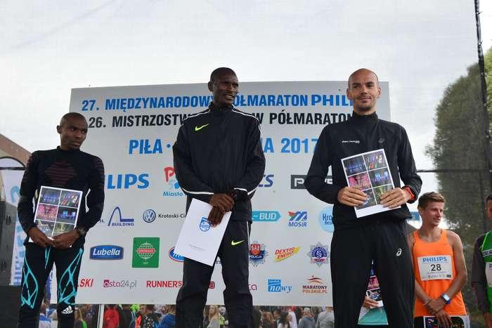 kenijczyk_wygrywa_polmaraton101