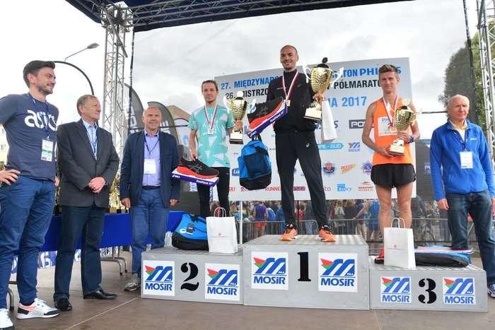 kenijczyk_wygrywa_polmaraton120