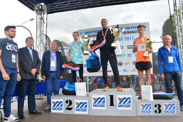 kenijczyk_wygrywa_polmaraton121