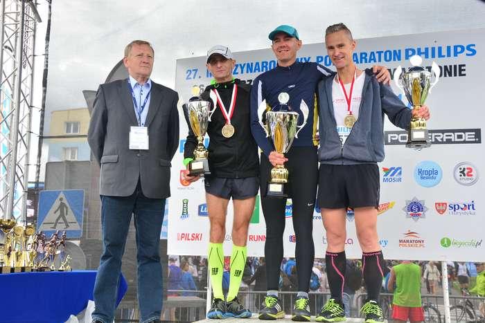 kenijczyk_wygrywa_polmaraton130