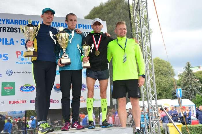 kenijczyk_wygrywa_polmaraton134