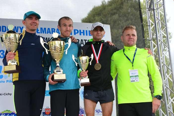 kenijczyk_wygrywa_polmaraton135