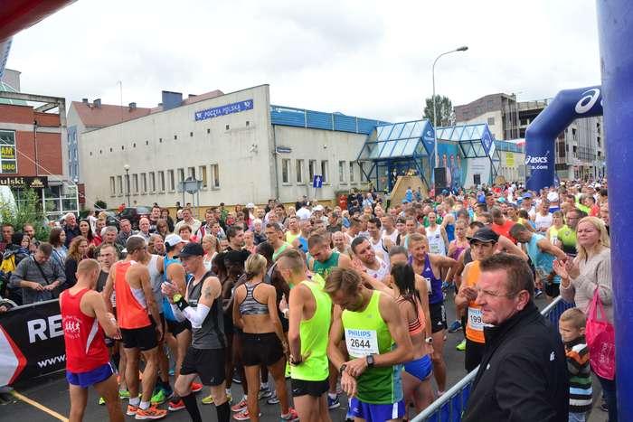 kenijczyk_wygrywa_polmaraton30