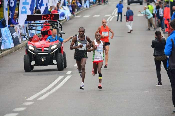 kenijczyk_wygrywa_polmaraton55