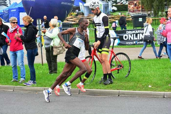 kenijczyk_wygrywa_polmaraton57