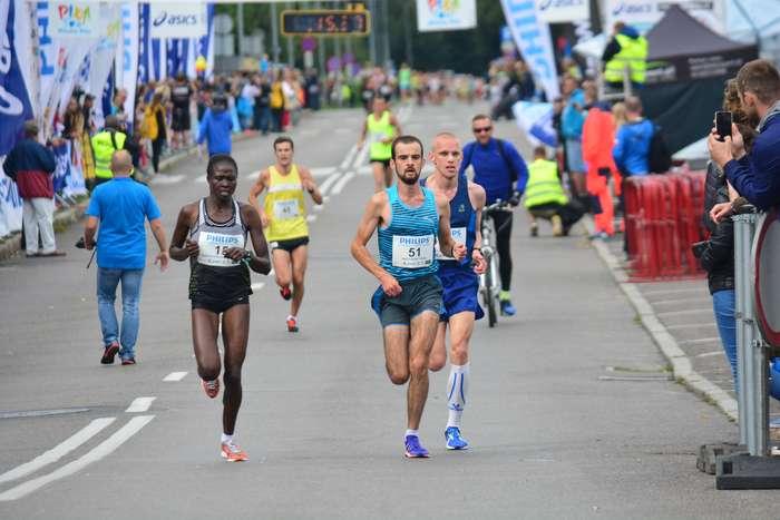 kenijczyk_wygrywa_polmaraton59