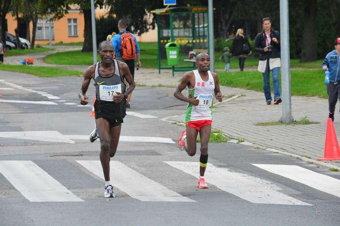 kenijczyk_wygrywa_polmaraton75