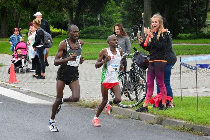 kenijczyk_wygrywa_polmaraton76