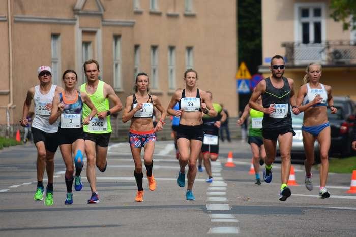 kenijczyk_wygrywa_polmaraton79