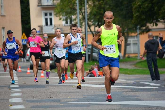 kenijczyk_wygrywa_polmaraton80