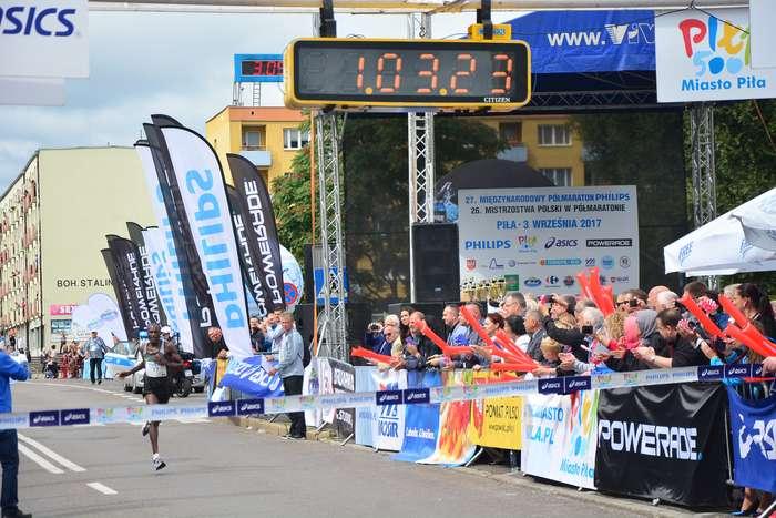 kenijczyk_wygrywa_polmaraton87