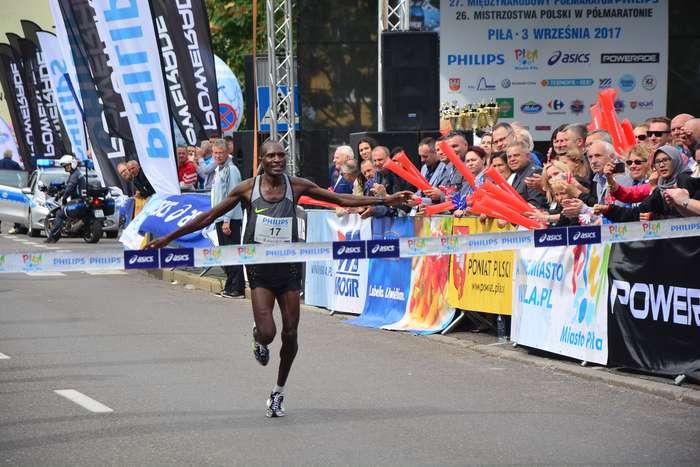 kenijczyk_wygrywa_polmaraton88