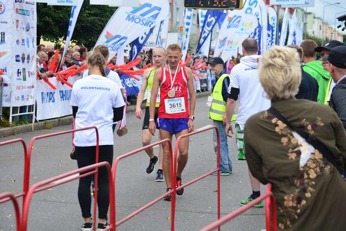 kenijczyk_wygrywa_polmaraton97