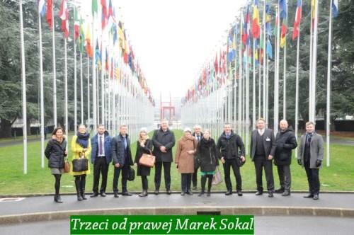 Trzeci od prawej Marek Sokal