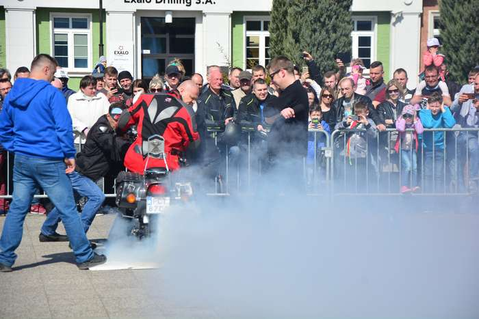 motocyklisci_wyprowadzili_maszyny27