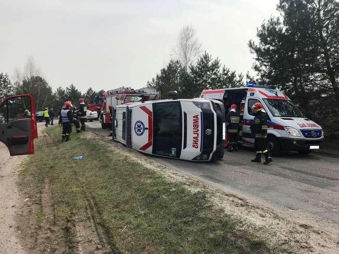 wypadek_ambulansu_z_pacjentem00