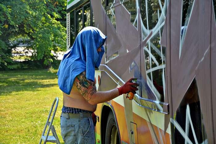 autobusy_niczym_dziela01