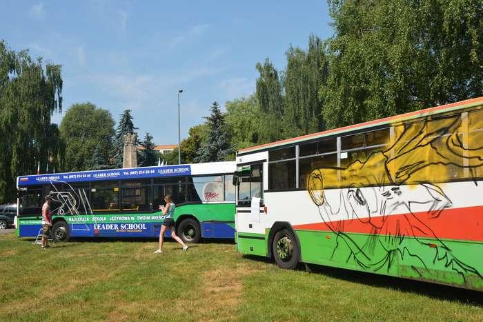 autobusy_niczym_dziela35