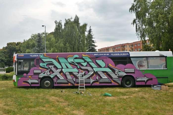 autobusy_niczym_dziela60