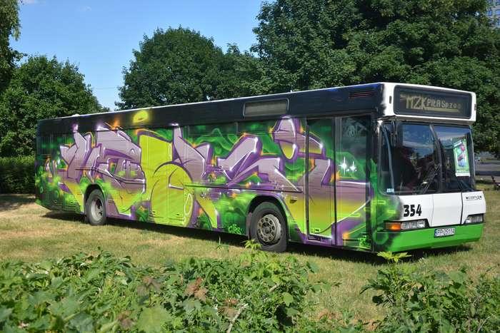 autobusy_niczym_dziela68