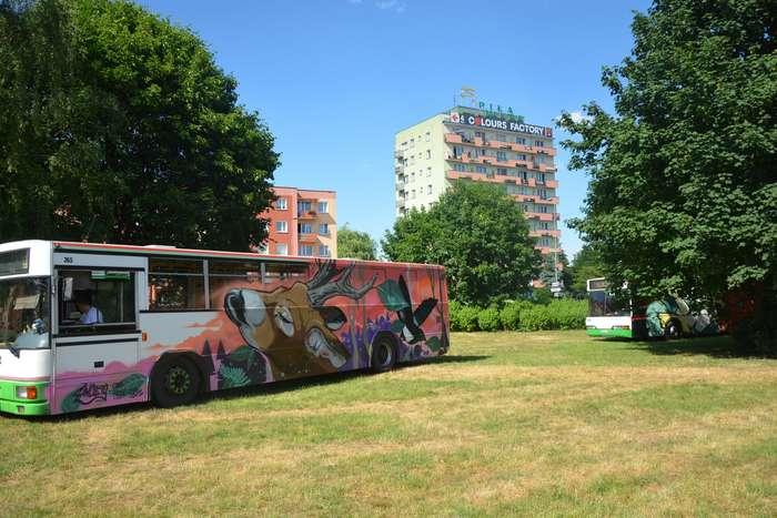 autobusy_niczym_dziela71