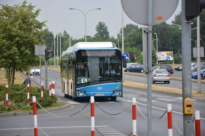 pila_testuje_autobus02