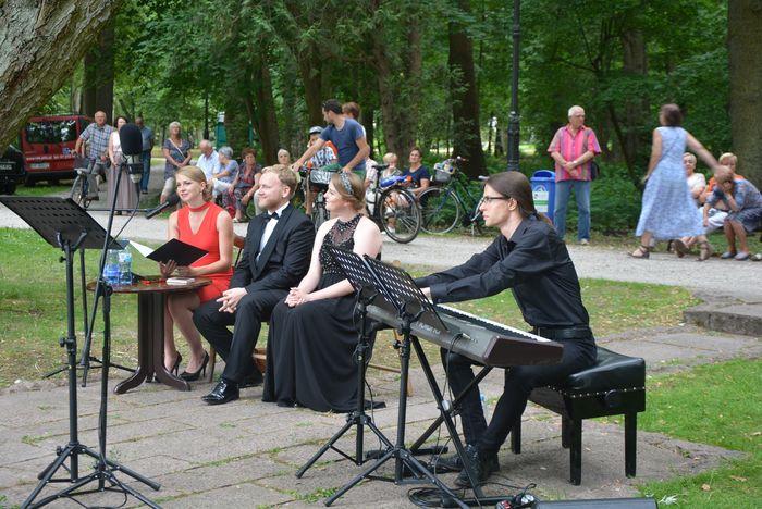 w_parku_spiewano-08