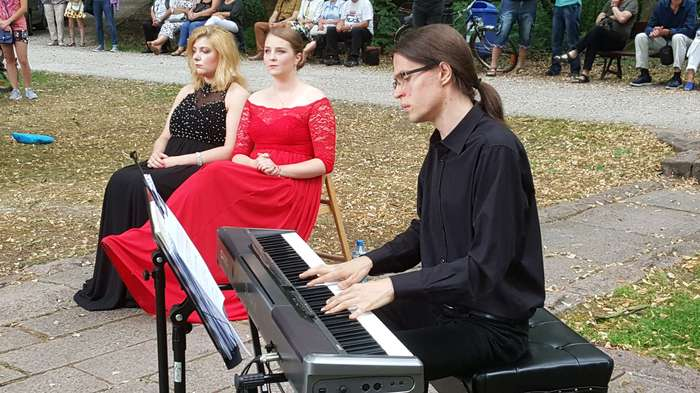 soprany_i_pianista_zauroczyli01