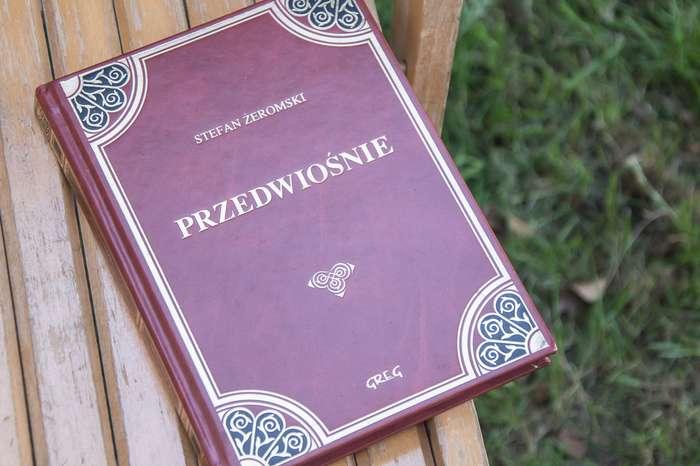 cala_polska_czytala04