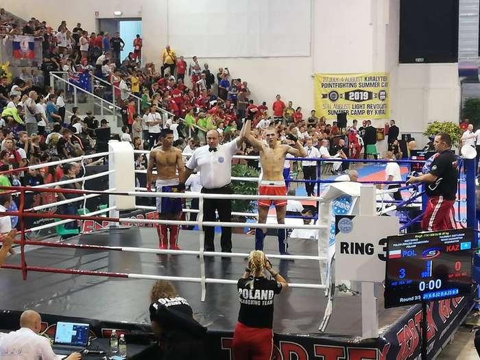 mistrzostwa_w_kickboxingu02