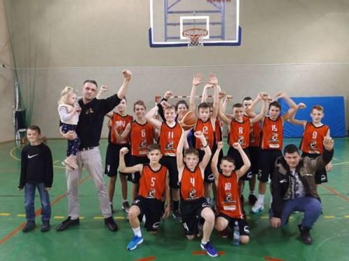 wygrana_mlodych_koszykarzy