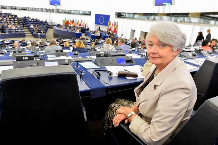 Krystyna LYBACKA in plenary session in Strasbourg - week 29.