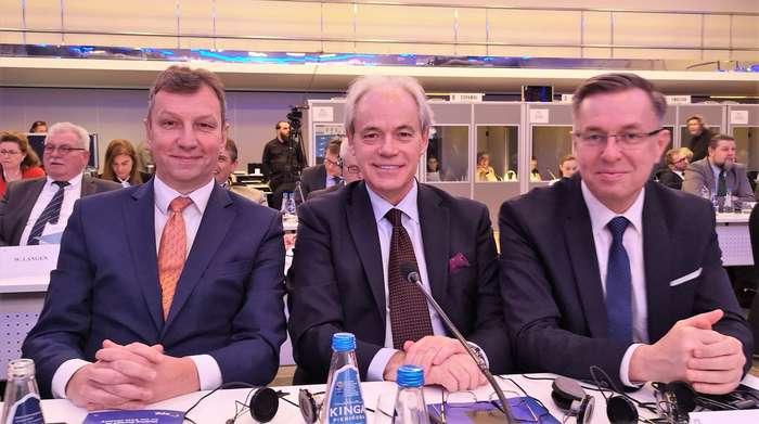 polityczna_debata_w_warszawie1_01