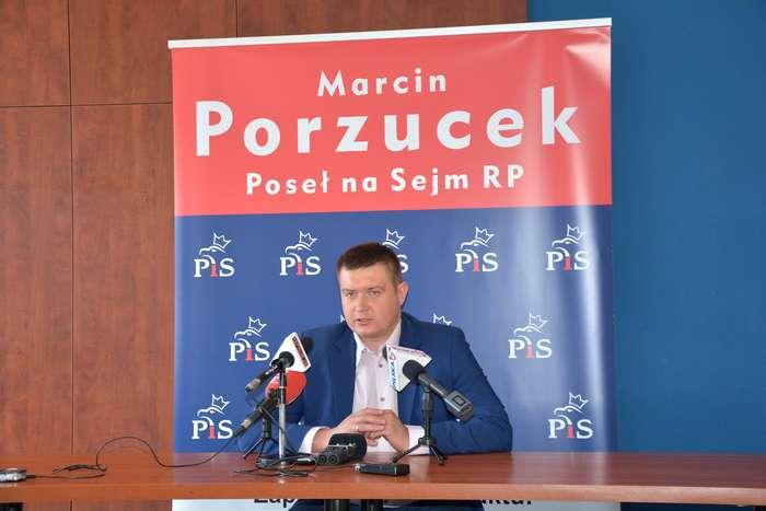 porzucek_o_centralnym1_03