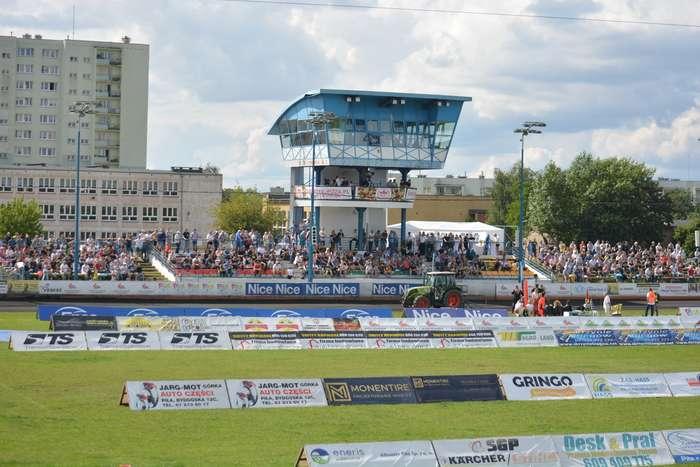 stadion_przy_bydgoskiej1_01