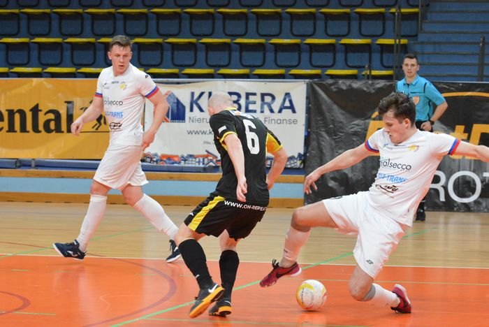 cenna_wygrana_futsalistow_55